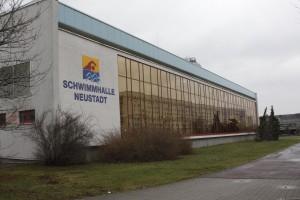 schwimmhalle-neustadt