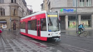 tram32