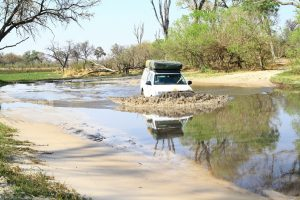Flussdurchfahrt im Chobe