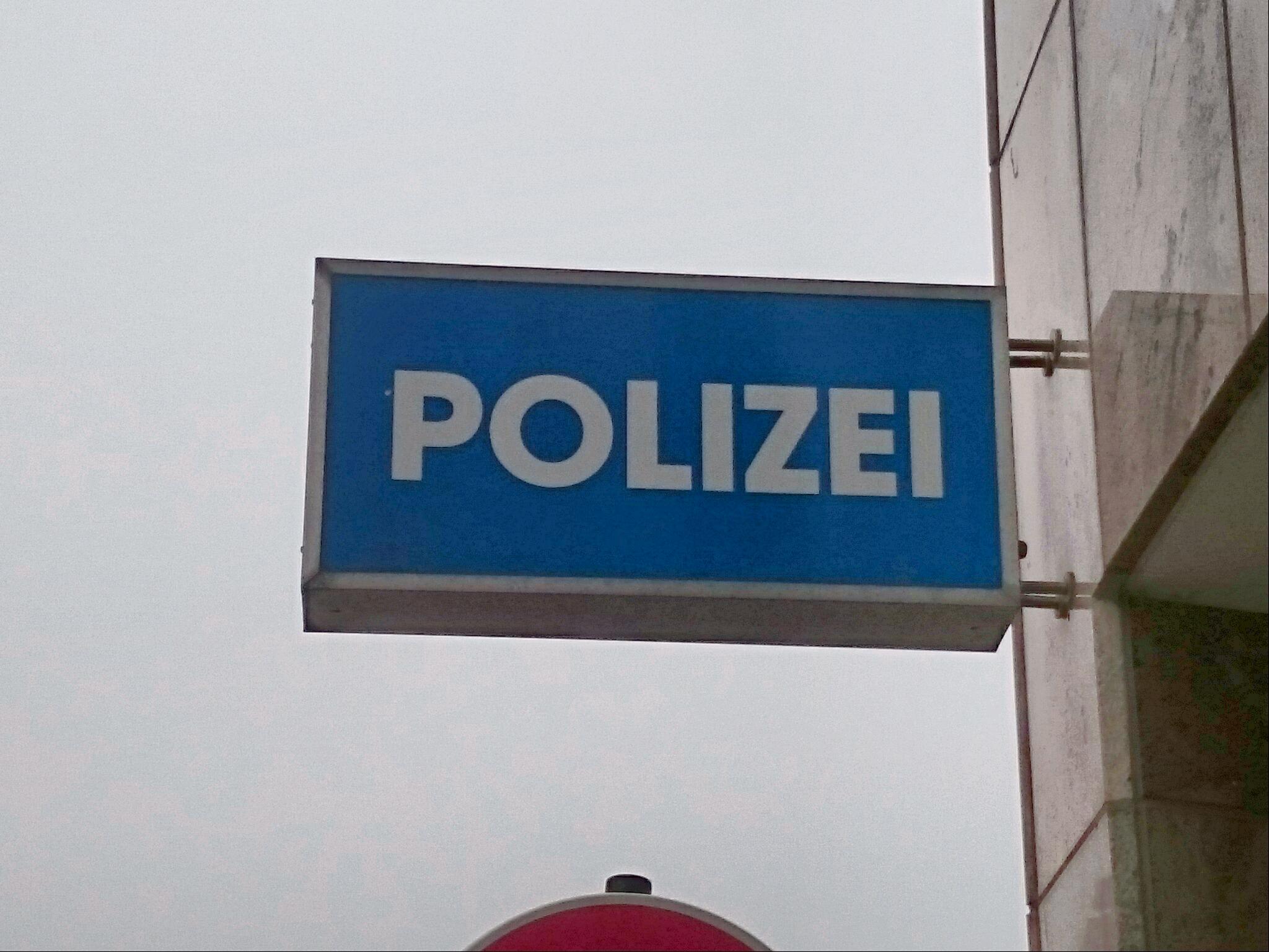 Polizei – Seite 2 – Du bist Halle