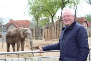 Elefantenkurator Frank Müller