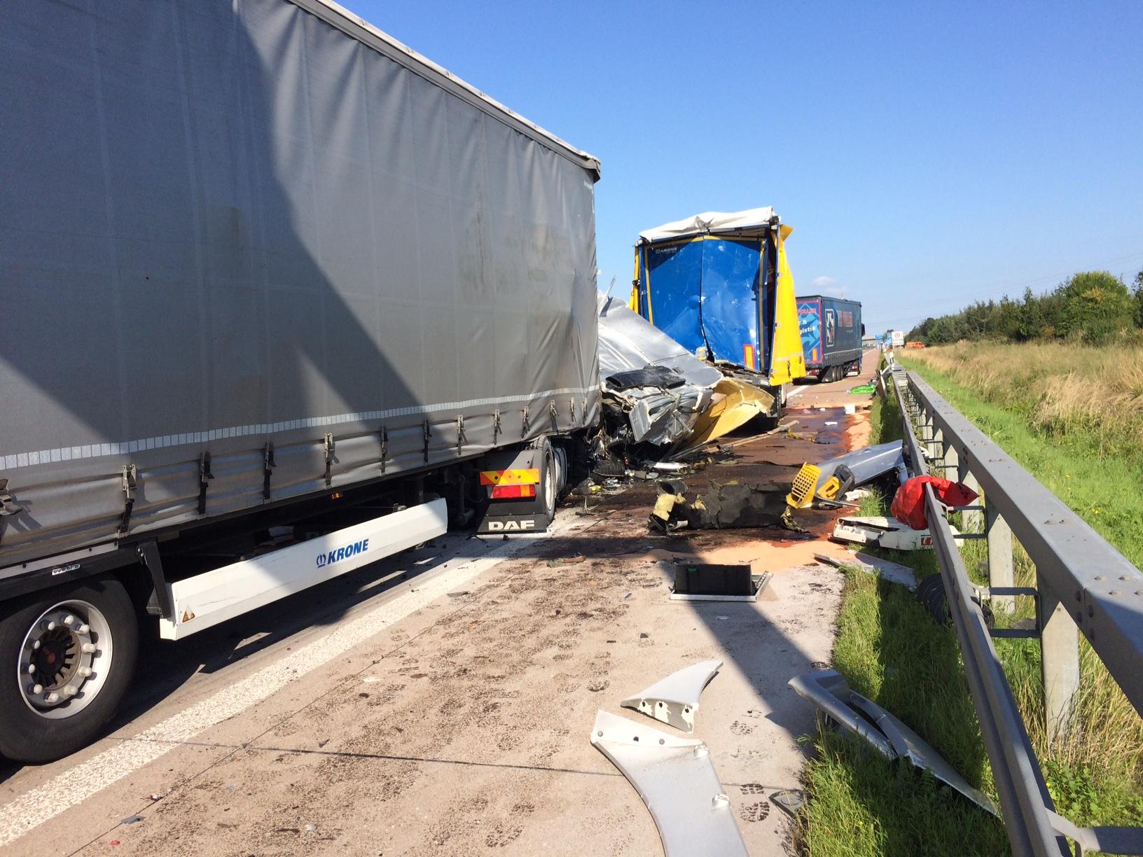 Lkw Unfall Auf Der A14 Höhe Halle Ost Du Bist Halle