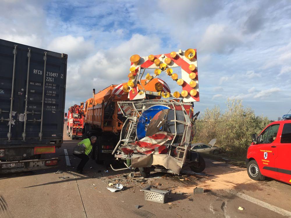 Verkehrsunfall auf der A14 bei Gröbers – Du bist Halle