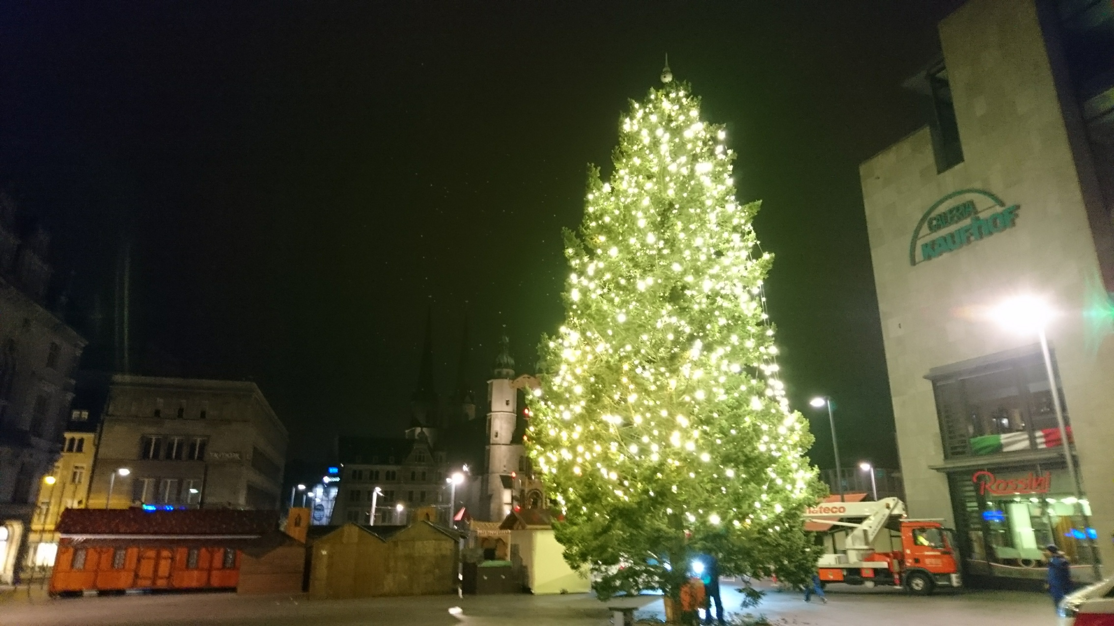 Weihnachtsbaum Explodiert.Weihnachtsbaum Du Bist Halle