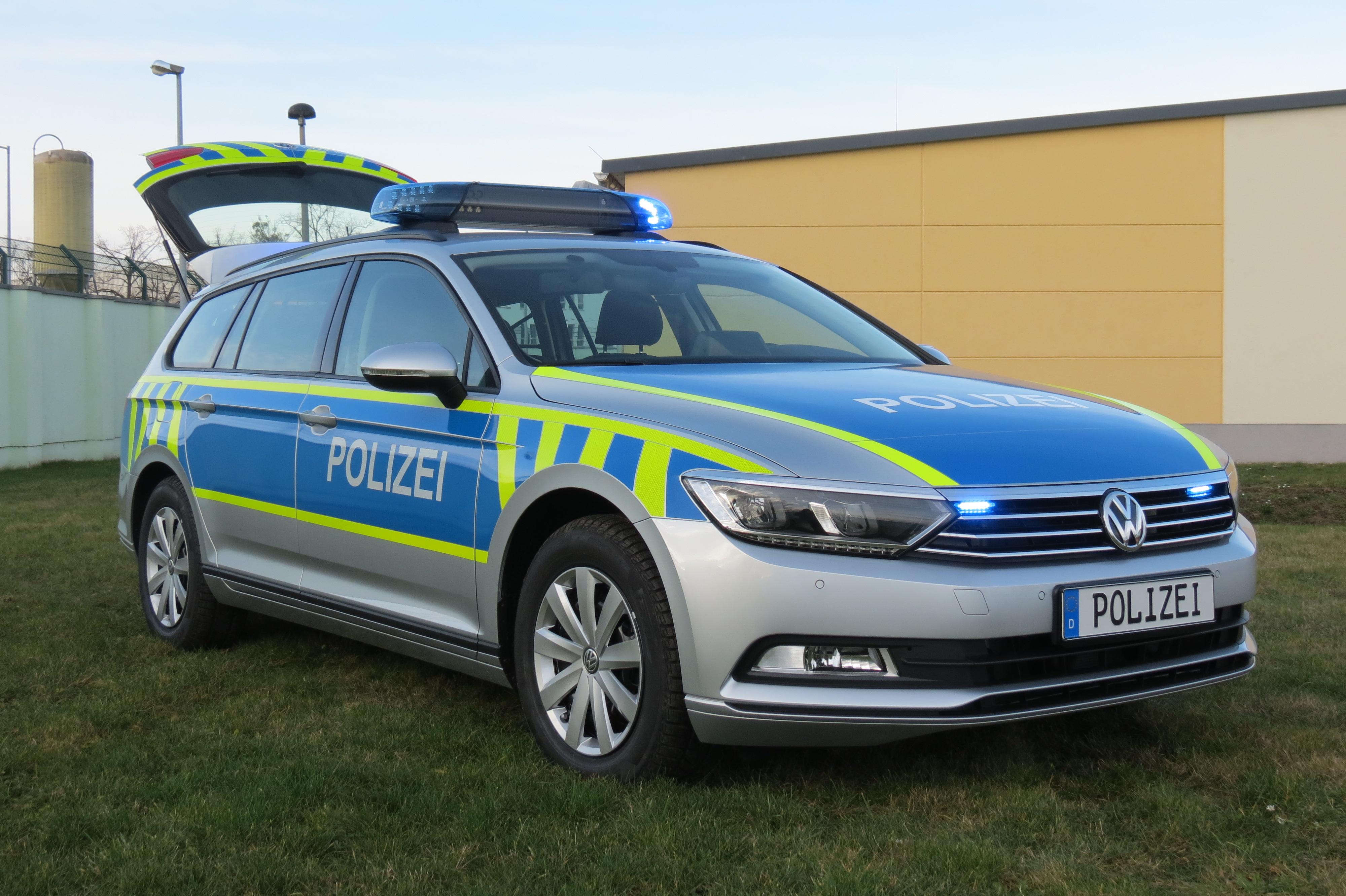 28 neue autos f r die polizei in sachsen anhalt du bist. Black Bedroom Furniture Sets. Home Design Ideas